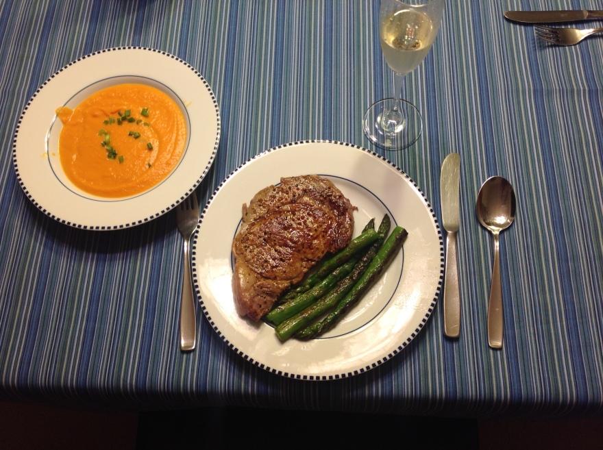 Beefsteak, sautéed asparagus and pureed squash+sparkling wine