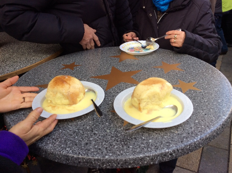 Diet be gone. When in Nürnberg at Christmas you have a steamed bun with vanilla sauce, outdoors, standing. Double yum.
