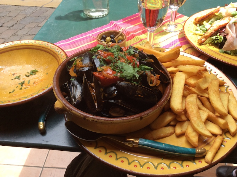 Mussels for me. What a heap and so very good, as were the fries.