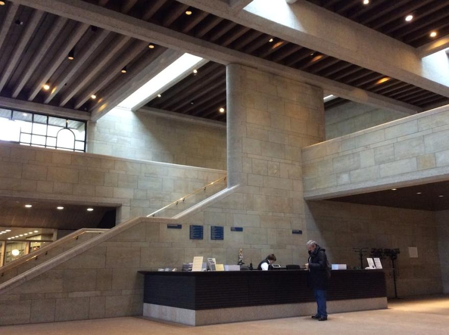Neue Pinakothek lobby