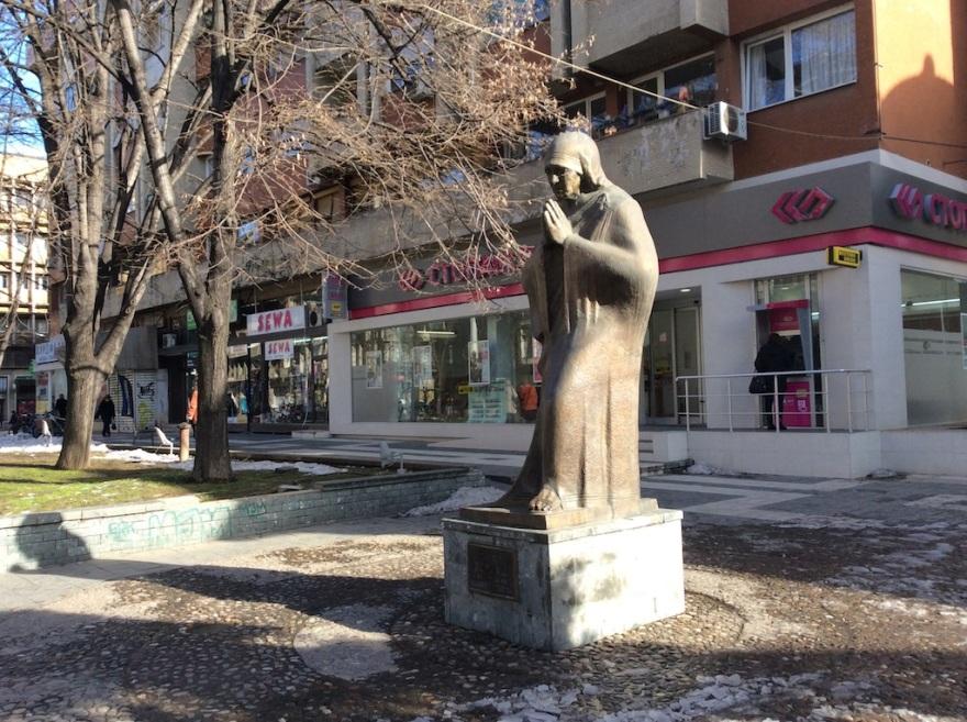 Bronze representation of Mother Teresa
