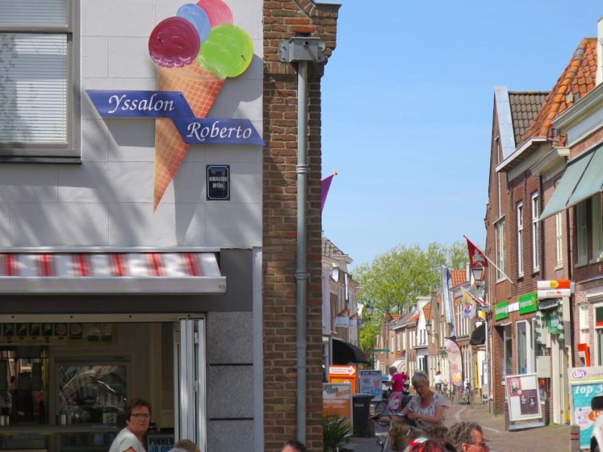 Roberto's ice cream shop