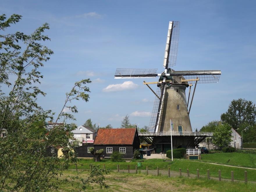 Yes, windmills still exist.