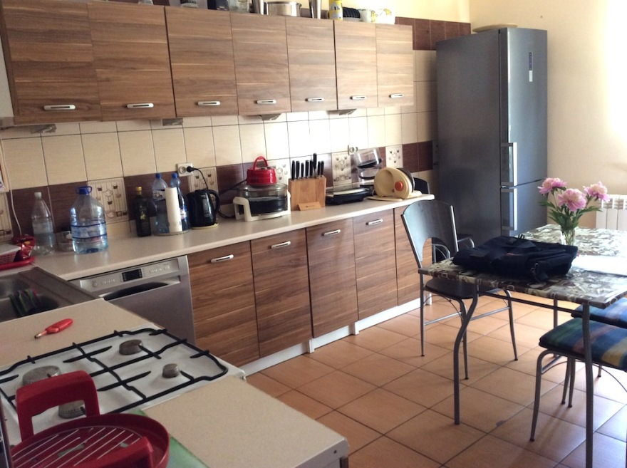 Nice shared kitchen we didn't get to use