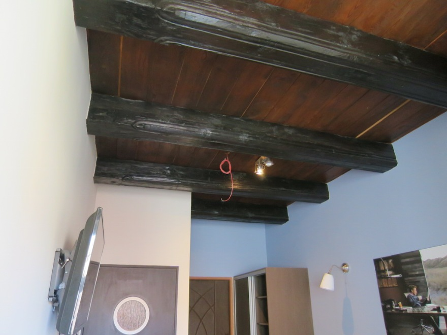 Real beam ceiling