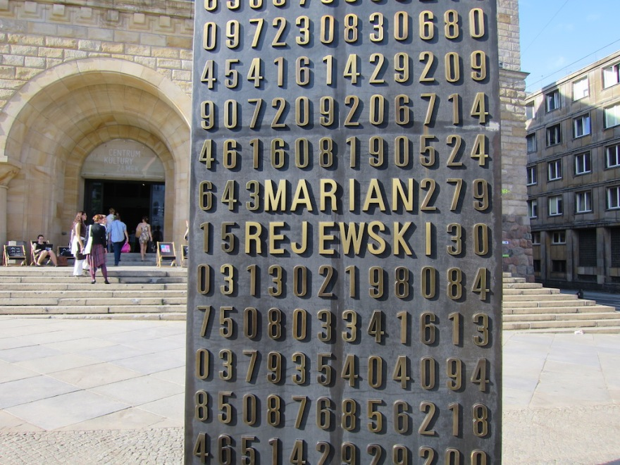 Poles honored for leaking secret Nazi coding machine.