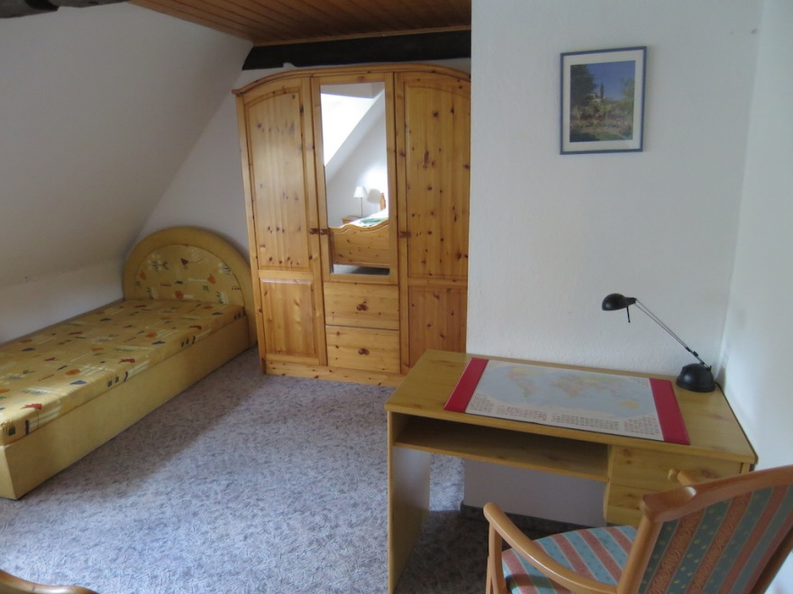 Second bedroom anomy work desk