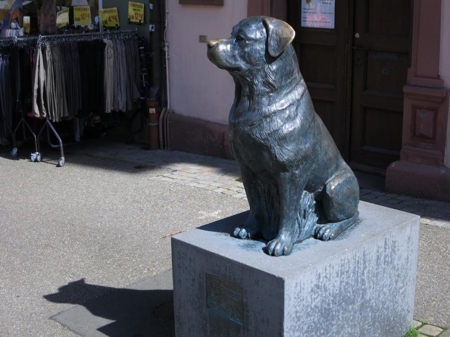 Rottweiler in Bronze